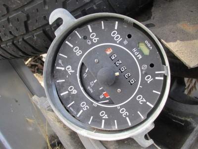 VW Beetle speedometer head parts
